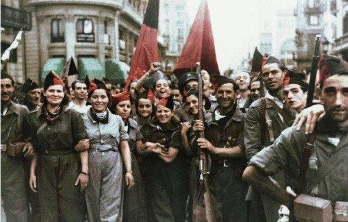 Foto inédita en color de milicianos anarquistas de la C.N.T